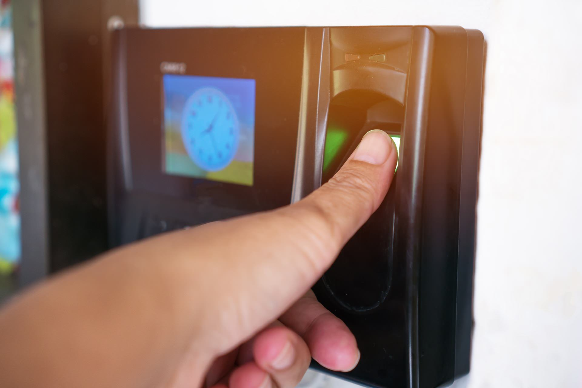 Fingerprint or Thumbprint scanner scan to record at working time